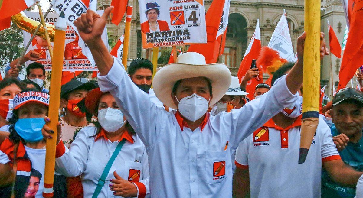 INMINENTE: Pedro Castillo se perfila como nuevo presidente del Perú al 98%