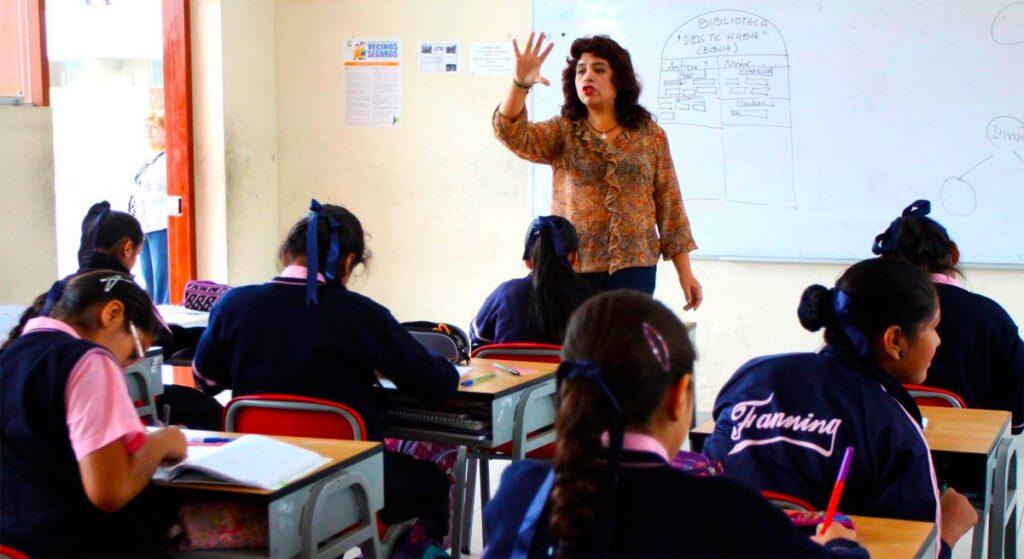 Aumentan sueldo de maestros